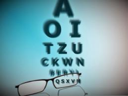 schlecht-sehen-sehtest-brille-optiker
